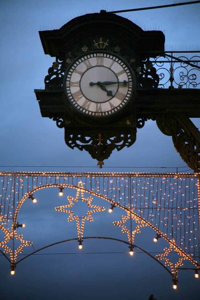 Christmas Winchester Highstreet clock and lights