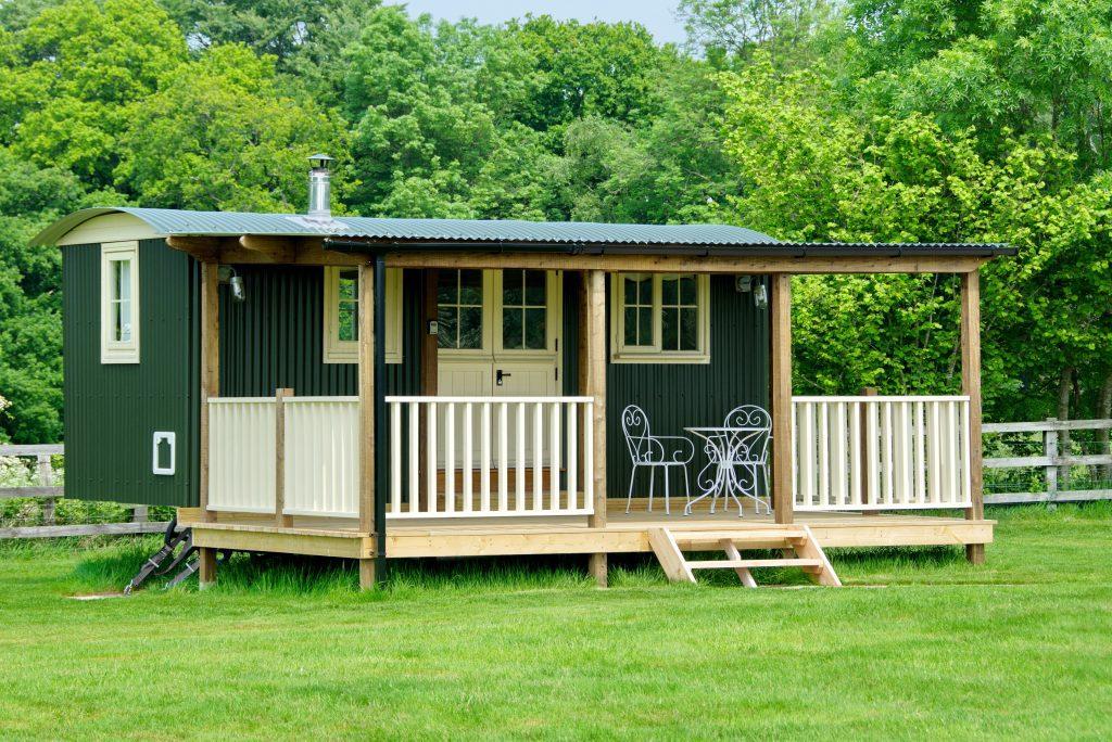 Two Hoots Hut Outside with veranda